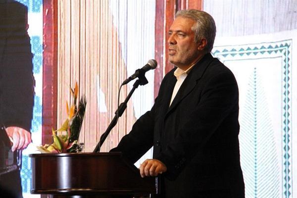 ایران سومین کشور فراوری کننده صنایع دستی و نخستین کشور در کسب عنوان های جهانی این صنعت است، توسعه صنایع دستی اقتصاد بومی و ملی را متحول می نماید