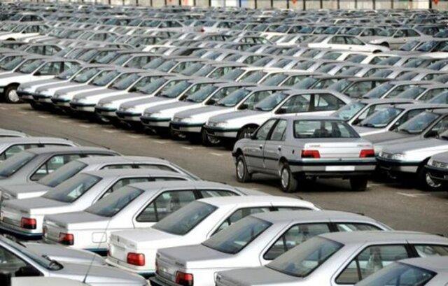دیدگاه یک کارشناس اقتصادی درباره دلایل نوسان قیمت خودرو در بازار ایران